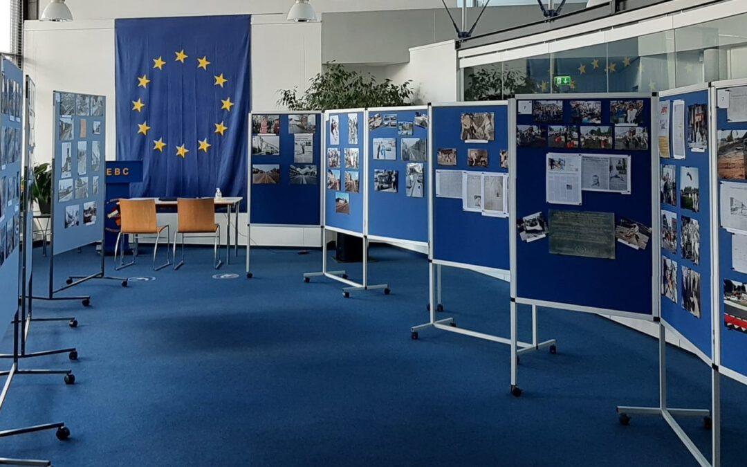 Ausstellung: 25 Jahre Neustraße ohne Grenzmauer